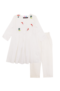 Off-white fish pond kurta and pants