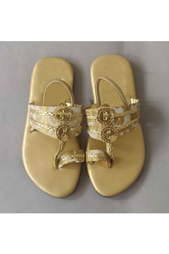 Golden brocade kolhapuri! Footwear for girls, Flip flop for girls, designer sandals for girls, belly shoes for girls, designer kolhapuri flats