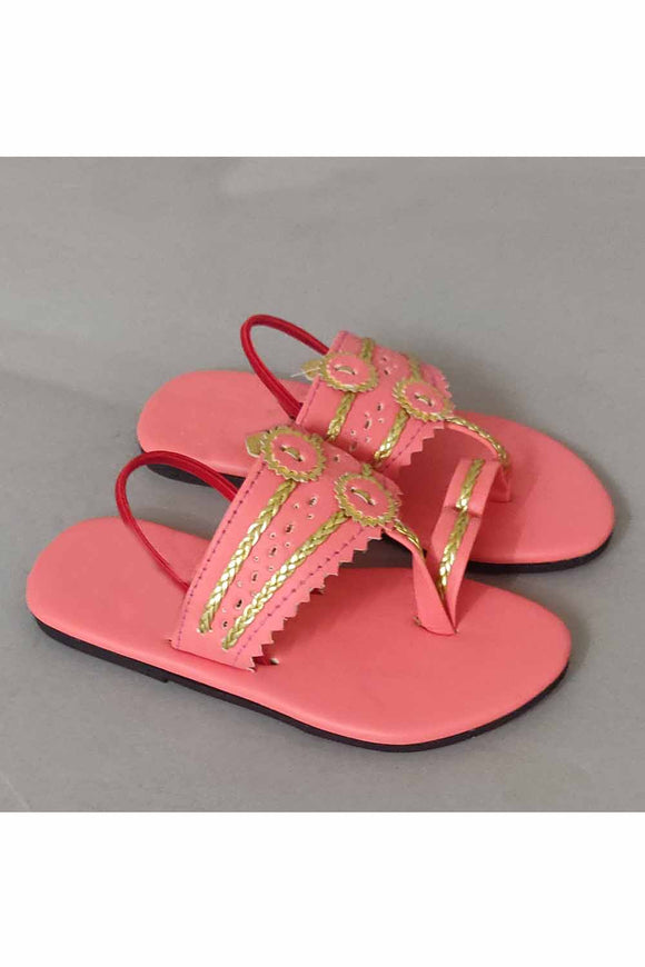 Blush pink kolhapuri! Footwear for girls, Flip flop for girls, designer sandals for girls, belly shoes for girls, designer kolhapuri flats