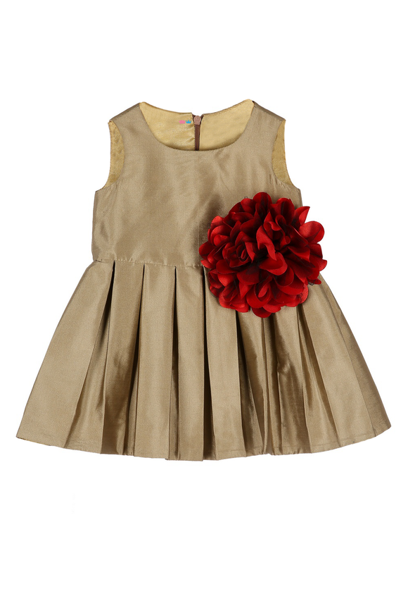 Box pleated frock with Big Flower