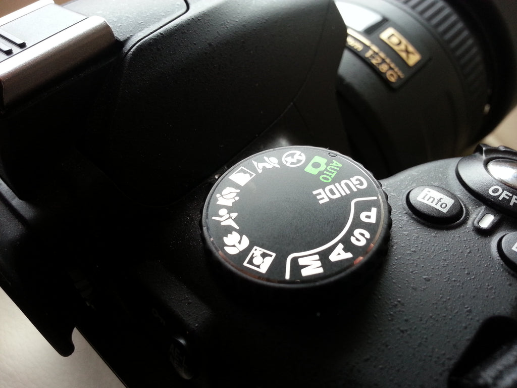DSLR camera controls and options