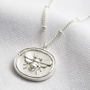 SILVER PENDANT BEE NECKLACE