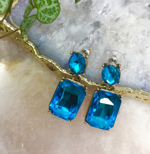 FACETED GLASS DROP EARRINGS - AQUA