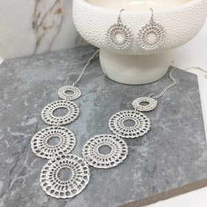 NECKLACE & EARRINGS SET