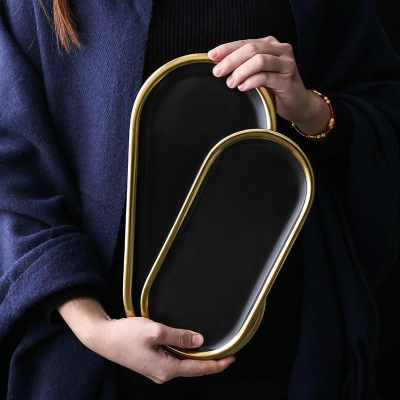 Charlotte by Luna Kündig Oval Plate unique and elegant Tray