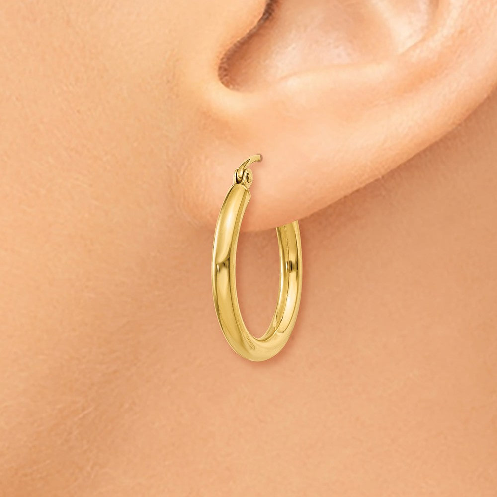 Alternate view of the 2.5mm, 14k Yellow Gold Classic Round Hoop Earrings, 20mm (3/4 Inch) by The Black Bow Jewelry Co.