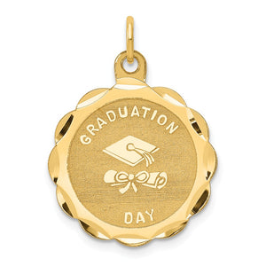14k Yellow Gold Graduation Day Brocaded Disc Charm, 20mm - The Black Bow Jewelry Co.