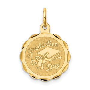 14k Yellow Gold Graduation Day Brocaded Disc Charm or Pendant, 16mm - The Black Bow Jewelry Co.