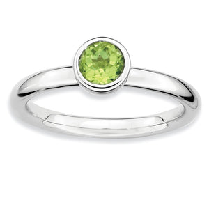Stackable Low Profile 5mm Peridot Silver Ring - The Black Bow Jewelry Co.