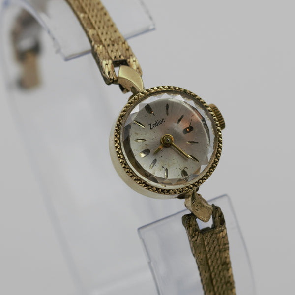 Zodiac Ladies Solid 14K Gold Swiss Made 17Jwl Watch
