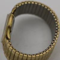 1960s Gruen Swiss Men's Automatic 25Jwl Watch w/ Gold Bracelet