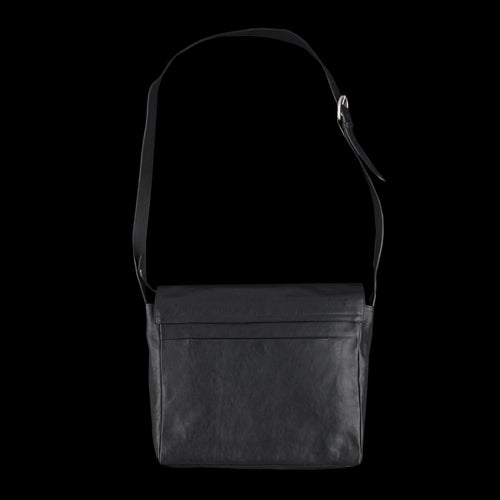 Clean Flap Messenger Bag in Black