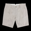 De Bonne Facture - Italian Linen Twill One Pleat Bermuda Short in Sand