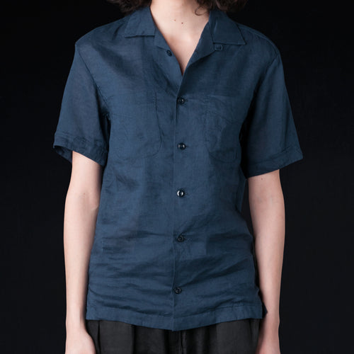 Light Linen Vacation Shirt in Navy