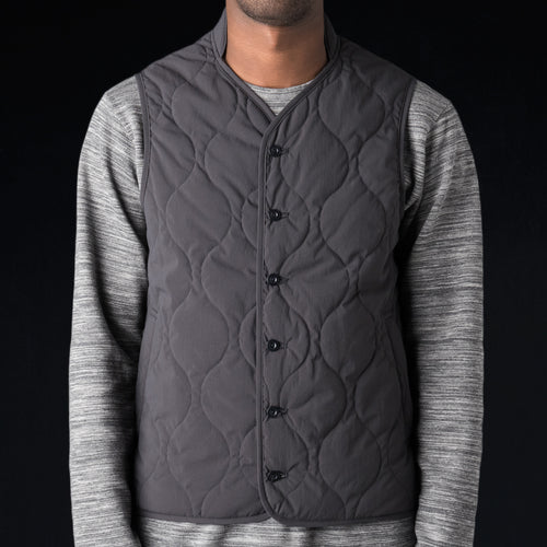 Water Repellent Typewriter Quilted Liner Vest in Blue Grey