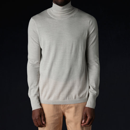 Sense Fine Gauge Turtleneck in Putty