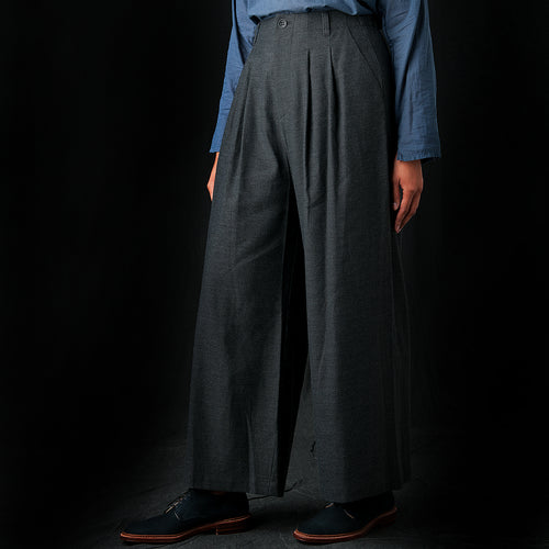 Pleated Wide Pant in Charcoal