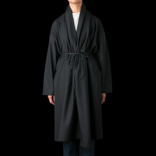Kapari Coat in Wool Gabardine Black