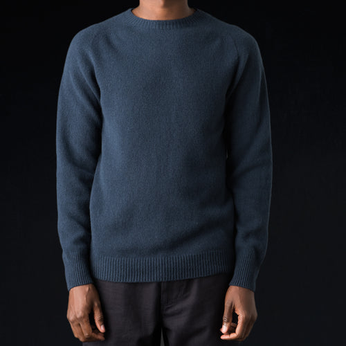 Merino Cashmere Saddle Crew Neck in Dark RAF