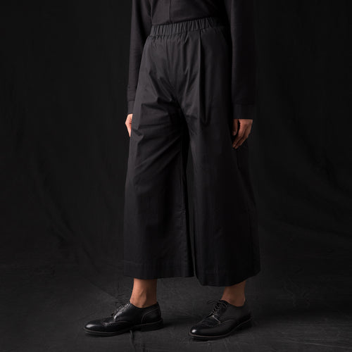 Fine Twill Wide Crop Pant in Black