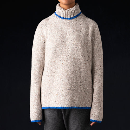 Cashmere Tweed Oversized Turtleneck in Beige & Blue