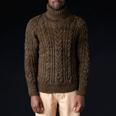 Chamula - Turtleneck Fisherman Pullover in Factory Olive