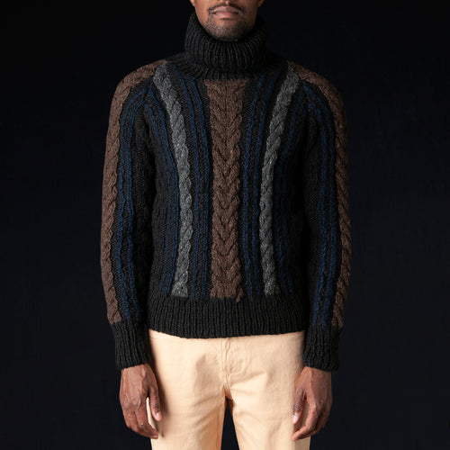 Turtleneck Fisherman Pullover in Crazy Black