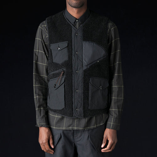 Traveler Vest in Black