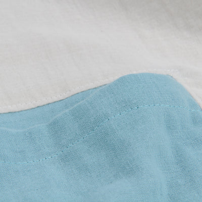 wrk-shp - Contrast Pocket Top in Fog White & Aqua