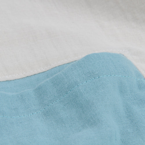 Contrast Pocket Top in Fog White & Aqua