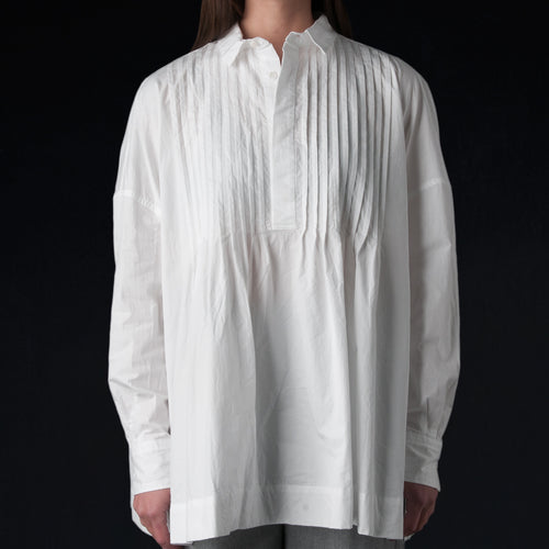 High Count Twill Back Gathered Pin Tuck Shirt in White