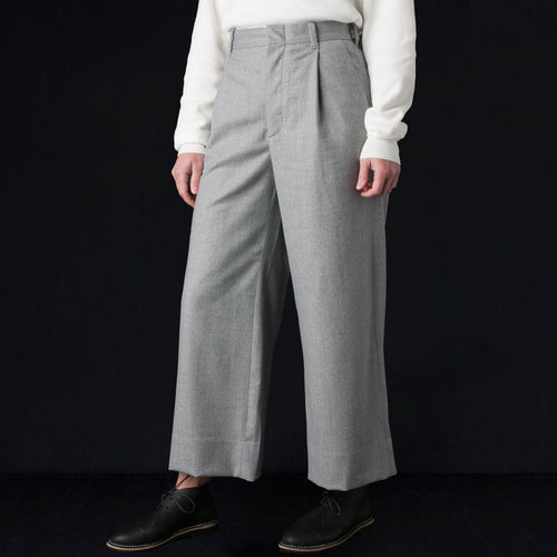 Worsted Wool Flannel Single Pleat Wide Trouser in Light Grey
