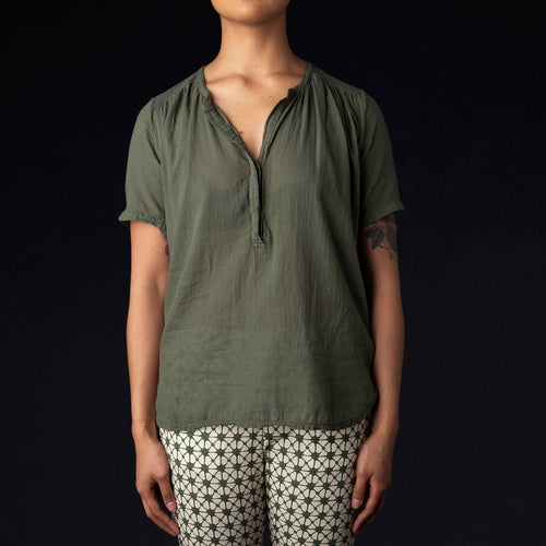 Tunela Tee in Army