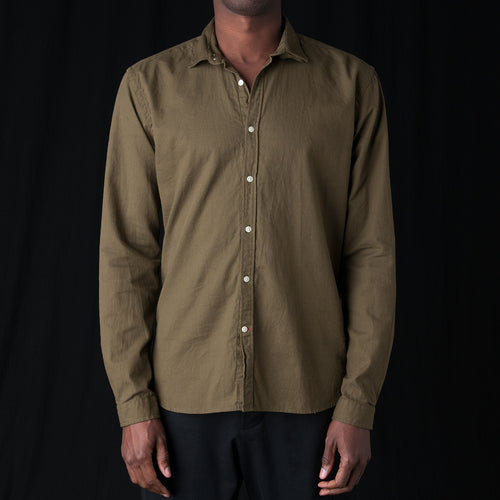 Clerkenwell Tab Shirt in Kildale Olive Green