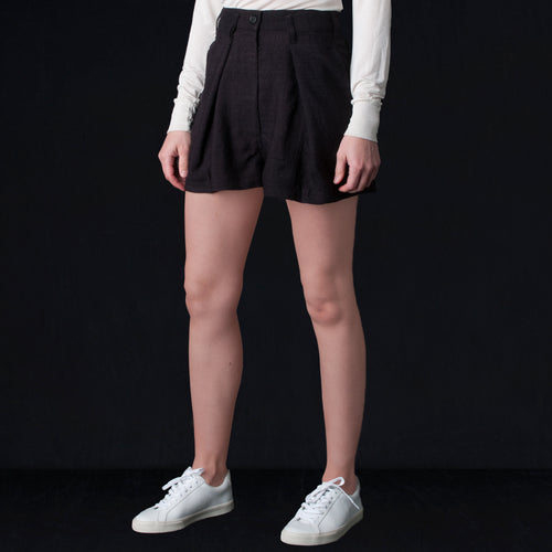 Mina Pleated Short in Black