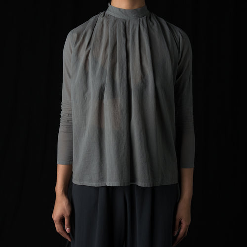 Stand Collar Tuck Shirt in Grey