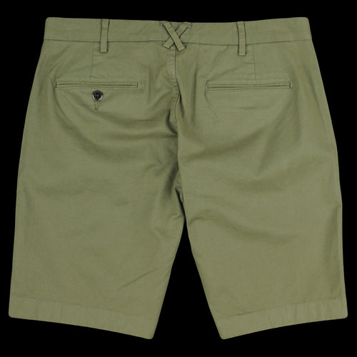 Standard Chino Short in Army Olive
