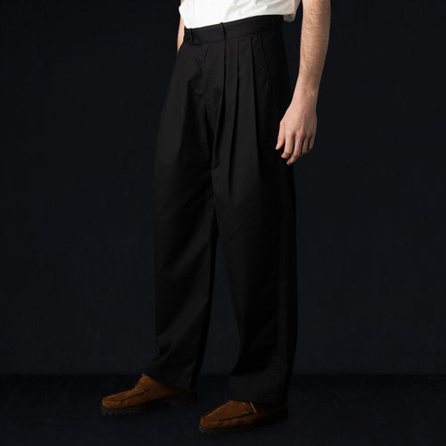 Triple Tuck Wide Pant in Vancloth Oxford Black