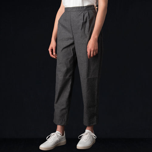 Twill Carrot Pant in Smoke Grey