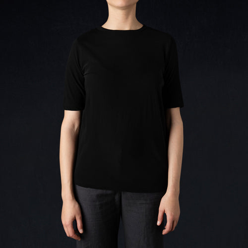 S/S Crewneck Tee in Black