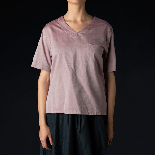 Double Yarn Oxford Short Sleeve V-Neck Pullover Shirt in Wine