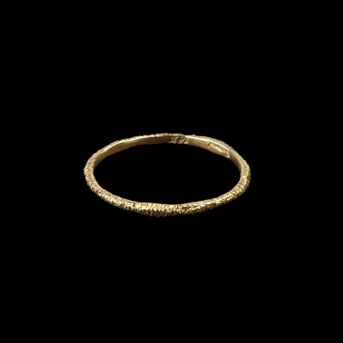 Wabi Sabi Etched Ring in 18K Yellow Gold