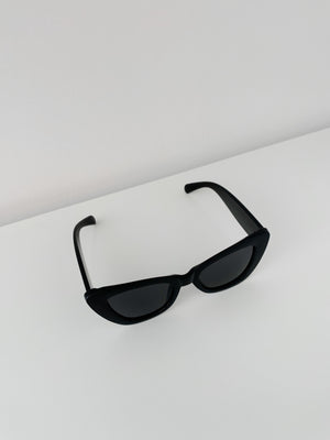 Mulholland Sunglasses in Black