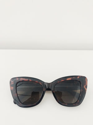 Mulholland Sunglasses in Turtle