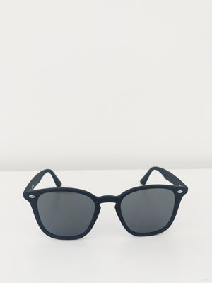 Chelsea Sunglasses in Matte Black