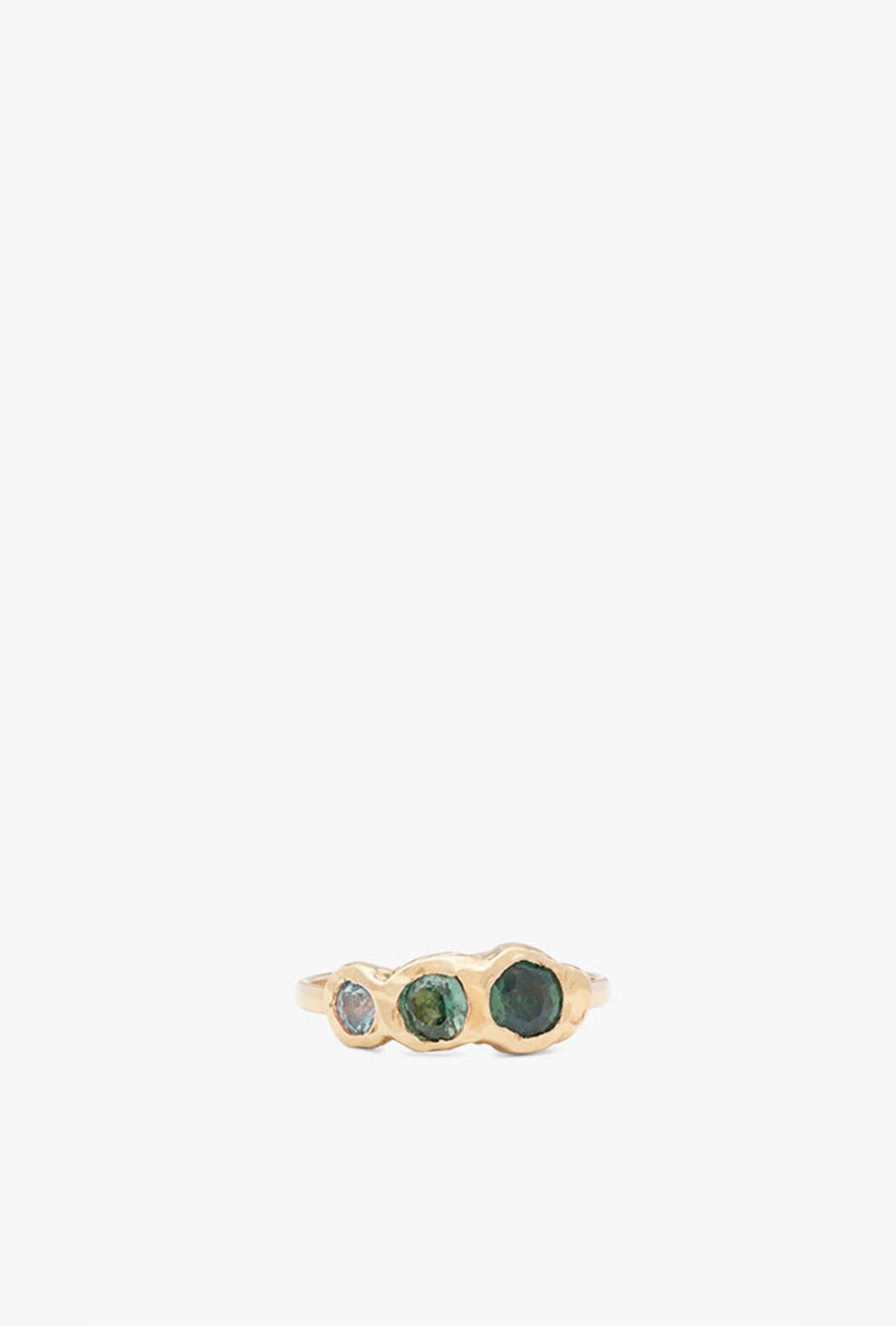 Freja Ring with 3 Sapphires
