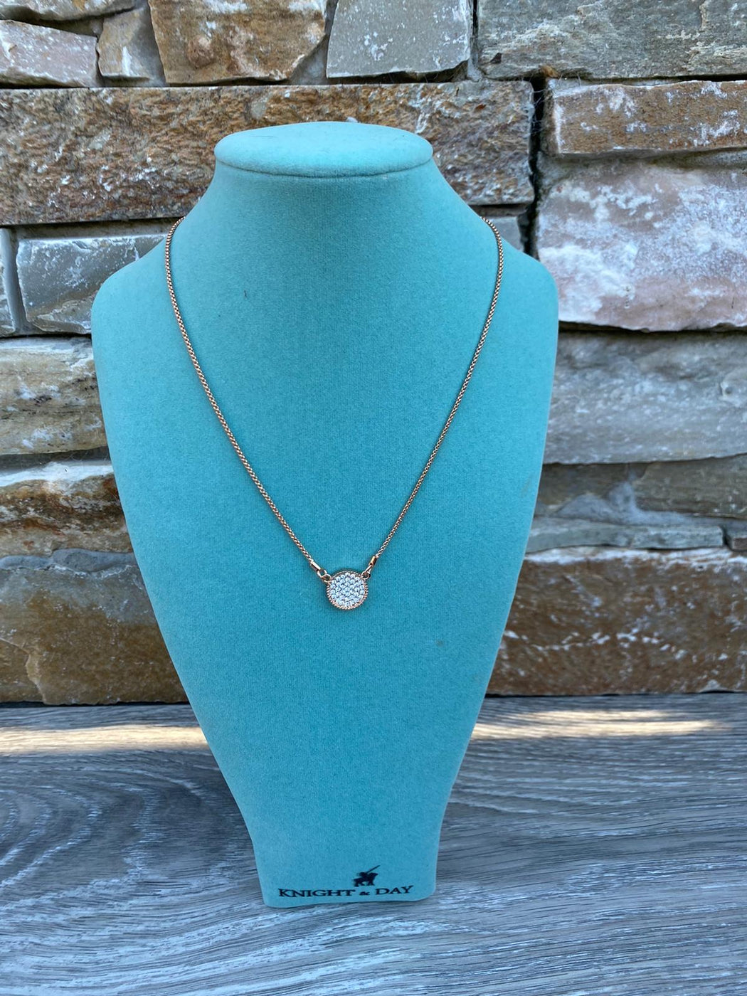 GINA SINGLE DISC NECKLACE