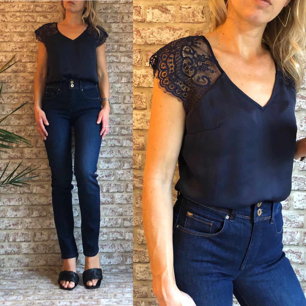 Ilia Top Navy
