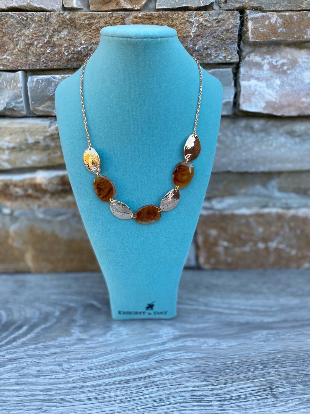 THEA AMBER NECKLACE