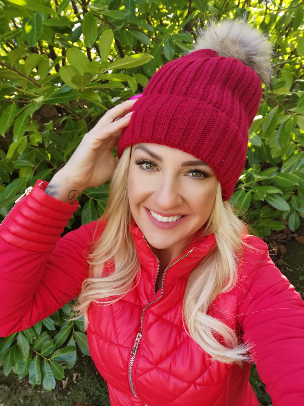 Burgundy fleece hat multi Pom Pom